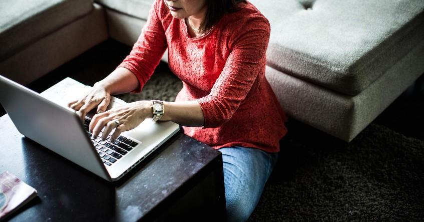 101920868-freelance-work-home.1910x1000